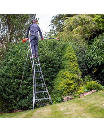 Henchman Professional Platform Fully Adjustable Tripod Ladder